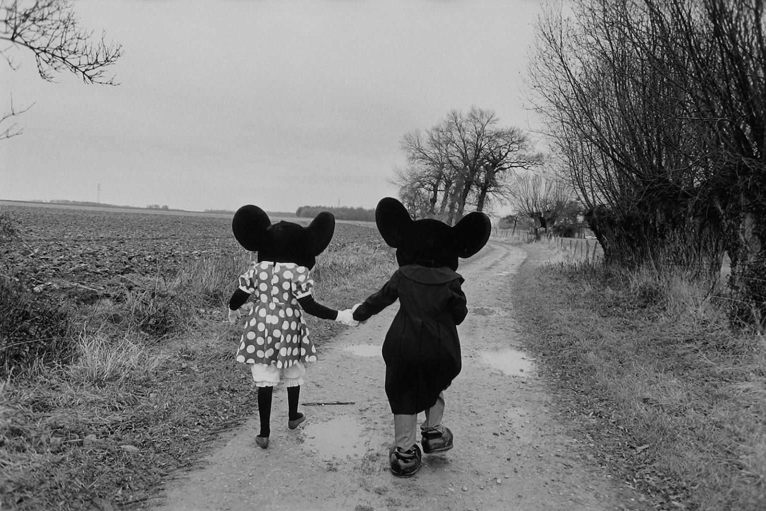 Mickey Mouse et Minnie sur le futur site de Disneyland à Marne la Vallée