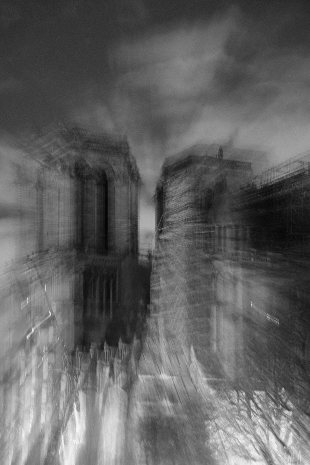 Notre Dame de Paris après lincendie